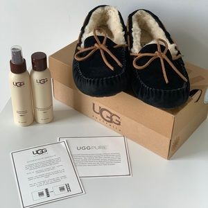 Ugg Dakota Moccasin Black Slippers Size 7